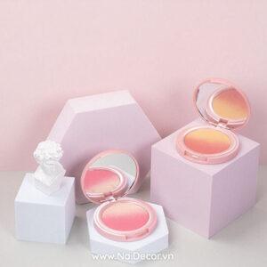 Chụp Phấn trang điểm với khối hình học hồng / trắng, Nền màu, hồng nhạt 2, khối hình học, Trắng, Trang điểm, xám nhạt, concept chụp ảnh đẹp