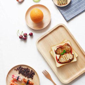 Bánh mì, BST, Cam nhạt, Dĩa gỗ, Đồ ăn, Muỗng nĩa gỗ, Nền trắng, Sandwich, trái cây giả, Trái Cherry, Trắng, Vàng nhạt, Chủ đề, concept chụp ảnh