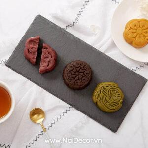Chụp Bánh Trung thu với Đĩa đá đen, BST ,Bánh ngọt ,Đĩa đá ,Nền vân đá ,Đĩa sứ , chủ đề chụp ảnh sản phẩm, concept chụp ảnh đẹp
