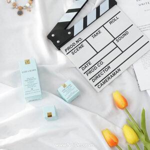 Bảng đạo diễn, BST, đen, Hoa Tulip, mỹ phẩm, Sản phẩm, Trắng, Vải trắng, vàng, xanh dương nhạt, chủ đề, concept chụp ảnh, gợi ý mua hàng