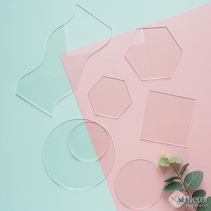 Tam Nhua Acrylic Trong Suot A0